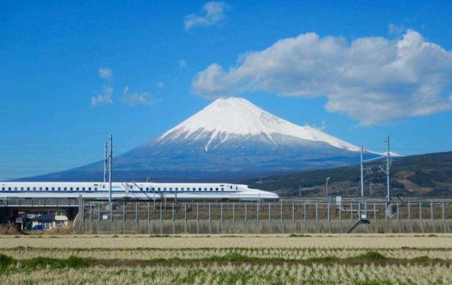 N700Aと富士山